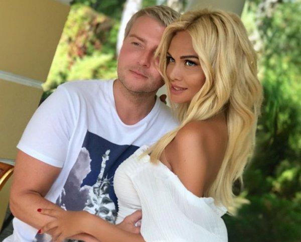 """""""Предсвадебные"""" фото Баскова и Лопыревой оказались постановочными"""