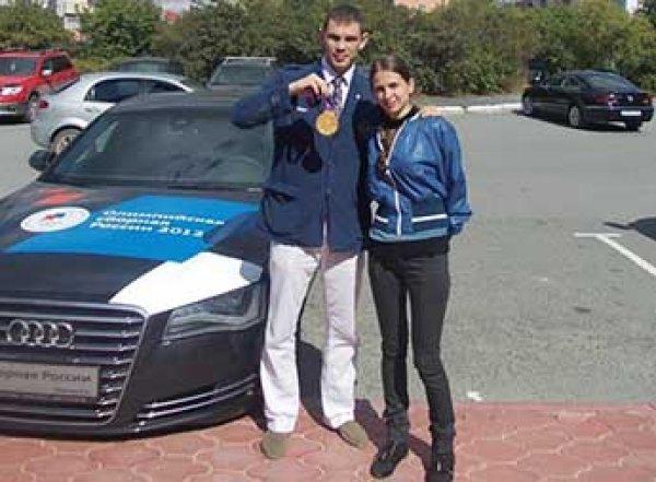 На Урале наказали сотрудников ГИБДД, забравших у боксера подаренную Путиным Audi