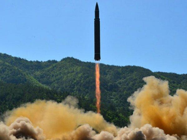 """""""Беспощадная месть"""": КНДР показала на видео """"уничтожение"""" американского острова Гуам"""