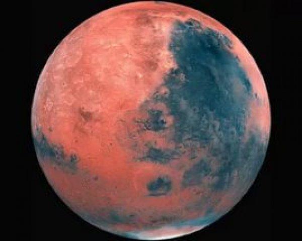 Ученые: на Марсе по ночам бушуют снежные бури