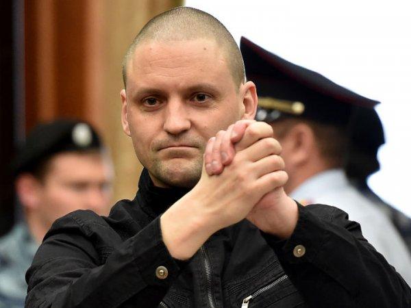 Оппозиционер Сергей Удальцов вышел из колонии