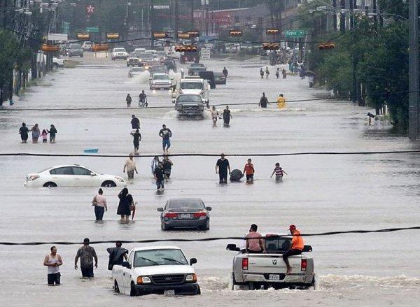 Ураган Харви в штате Техас унес жизни пяти человек (ФОТО, ВИДЕО)