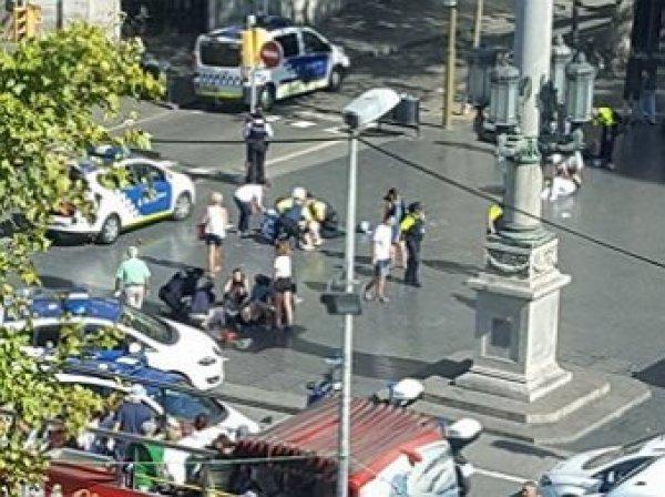 Теракт в Барселоне 17.08.2017: микроавтобус протаранил толпу людей, есть жертвы (ФОТО, ВИДЕО)