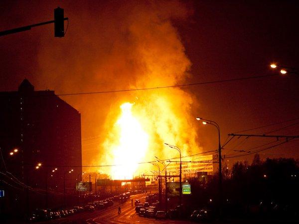 Пожар в Москве сейчас уже потушен: загорелся склад на территории 15 тысяч кв. метров (ВИДЕО)