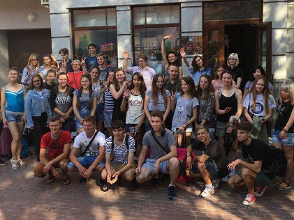 Экскурсия украинских школьников в Россию возмутила Киев