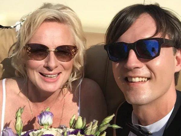 Вдовца сестры Андрея Григорьева-Аполлонова обвинили в женитьбе из-за денег
