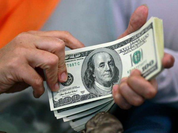 В ответ на санкции Москва сократит зависимость от доллара в качестве расчетной валюты