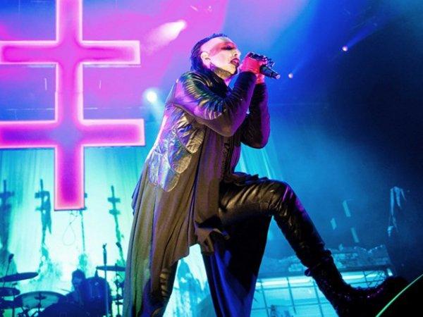 Мэрилин Мэнсон оскорбил Москву во время концерта в Киеве