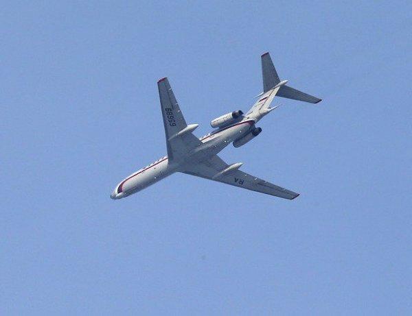Полет самолета ВКС РФ над Пентагоном и Белым домом США попал на видео