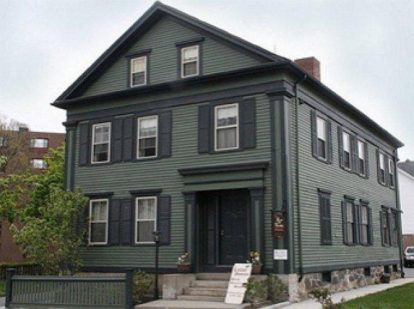 Посетитель дома-музея Лиззи Борден заявил, что снял на видео спящее на кровати привидение