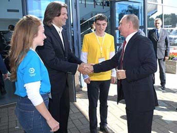 Путин рассказал школьникам в Ярославле, кто станет властелином мира (ВИДЕО)