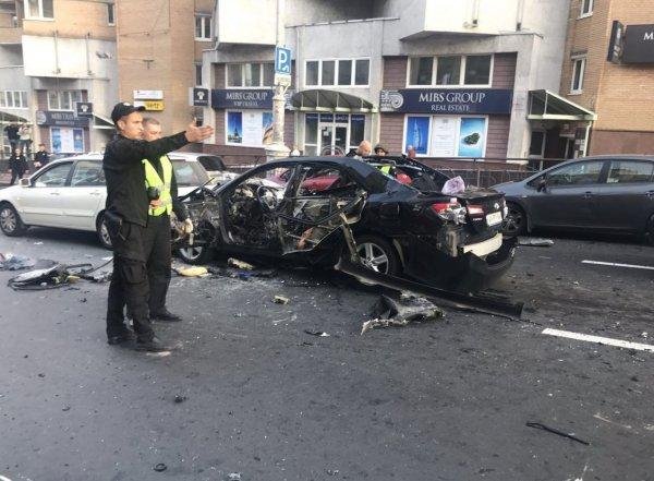 СМИ: во взорванной в Киеве машине вместе с боевиком находилась всемирно известная модель