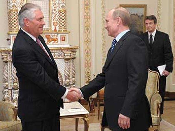 """Путин заявил, что госсекретарь Тиллерсон """"попал в плохую компанию"""""""