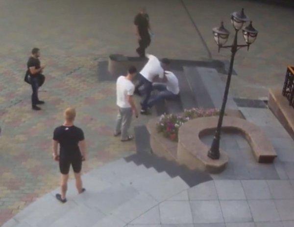 Появилось новое ВИДЕО драки с пауэрлифтером Драчевым в Хабаровске