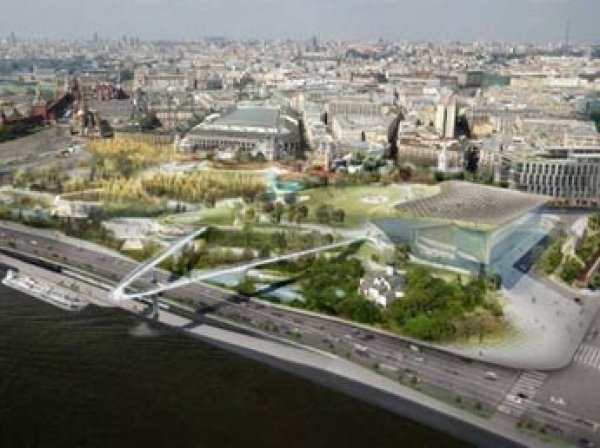 """В парке """"Зарядье"""" в Москве вандалы уничтожили 10 тыс. растений и разбили стеклянный купол"""