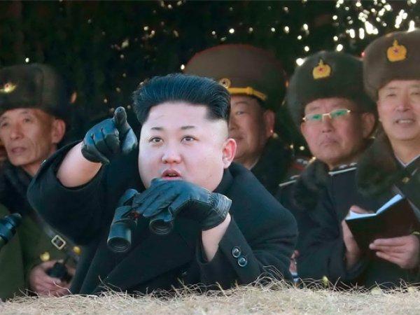 """""""Сумасшедшего старика мы будем укращать огнем"""": Ким Чен Ын счел заявление Трампа объявлением войны"""