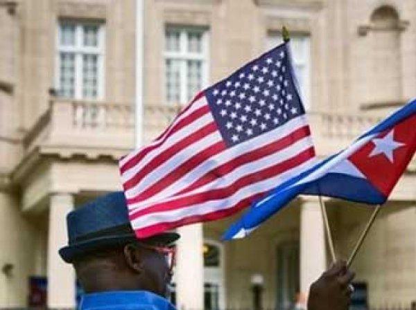 """СМИ: посольство США на Кубе подверглось """"акустической атаке"""", дипломаты теряют слух и память"""