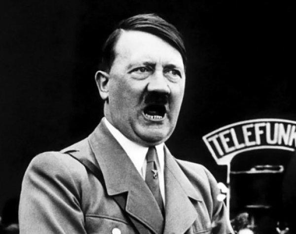 В рассекреченных архивах ЦРУ нашли фотографию, опровергающую гибель Гитлера