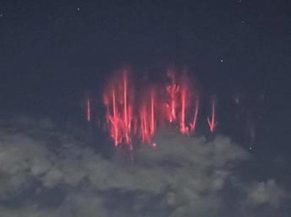В небе над Оклахомой в США появилось редкое космическое явление