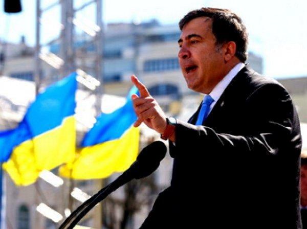 СМИ: Саакашвили поселился в палатке возле Верховной рады
