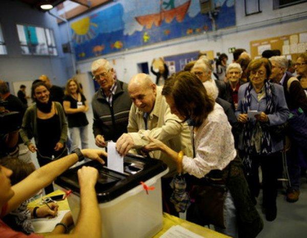 Президент Каталонии объявил о независимости – 90% избирателей проголосовали за выход из состава Испании