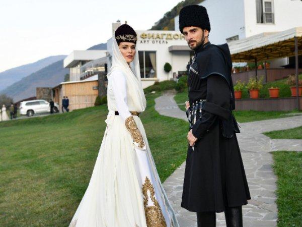 В Сети опубликовано видео с тайной свадьбы Сати Казановой