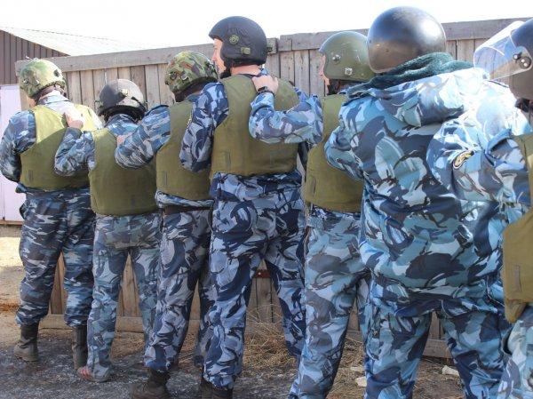 В Забайкалье для усмирения 90 пьяных вахтовиков в поезде вызвали спецназ