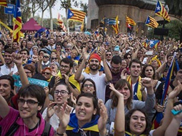 Беспорядки в Испании: на митинг против независимости Каталонии вышли почти 2 млн человек