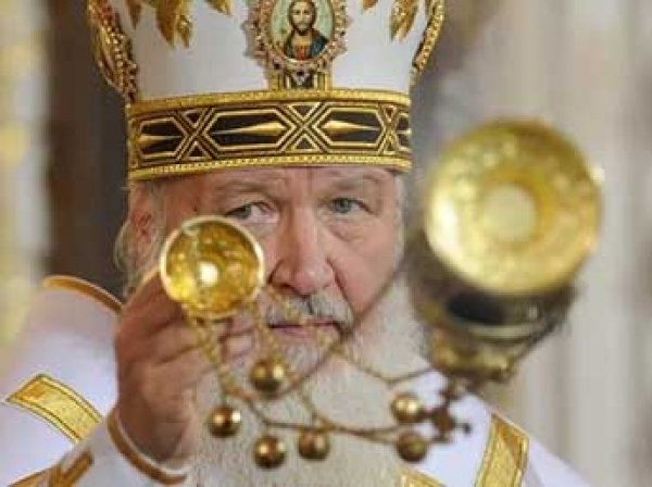 Медведев утвердил правила обращения с кадилом в церкви