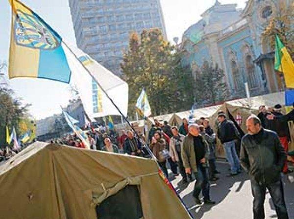В Киеве спецназ начал штурм палаточного городка у Рады