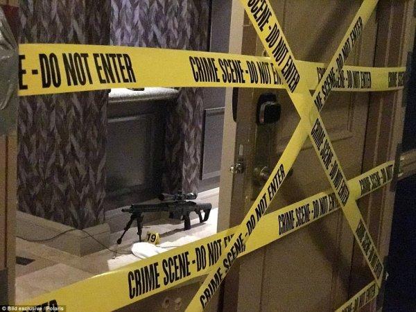 Daily Mail опубликовал фото из номера стрелка в отеле Лас-Вегаса