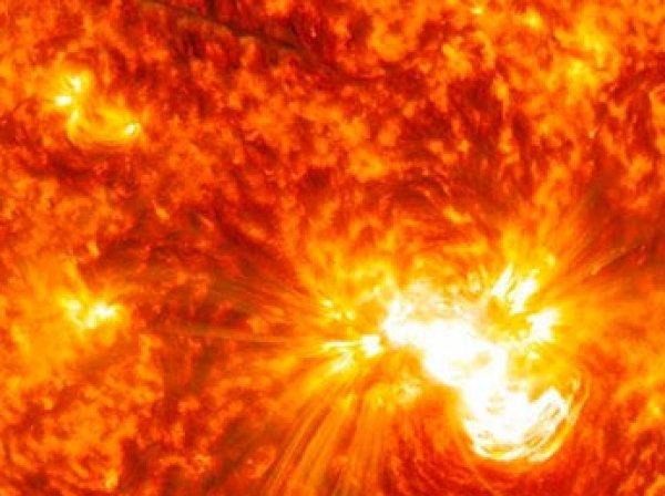 Конец спутникам и интернету: ученые прогнозируют сильнейшую за 100 лет вспышку на Солнце