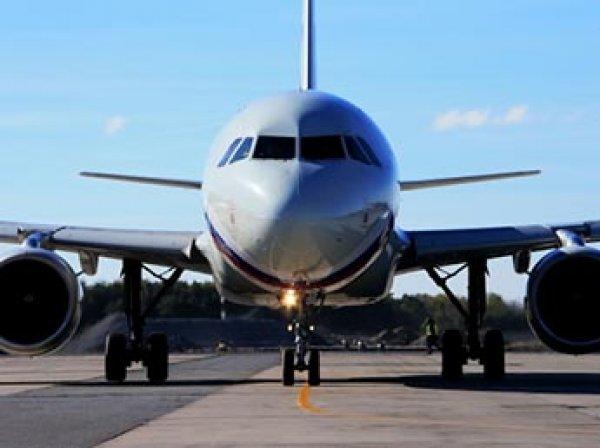 Топ-менеджер Евразийского фонда лишился работы за пьяный дебош на борту самолета