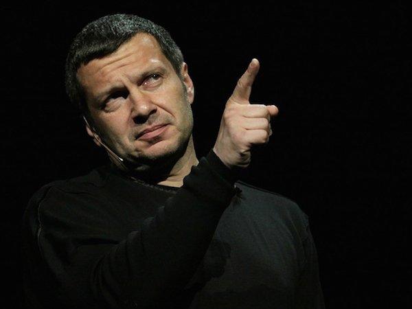 """""""Жалкая попытка быть Шнуром"""": Соловьев раскритиковал Дудя после интервью с Познером"""