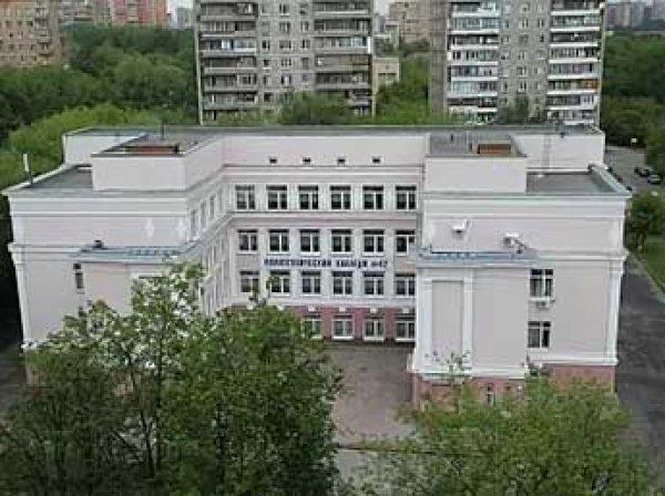 В одном из колледжей Москвы зверски зарезаны преподаватель ОБЖ и его ученик