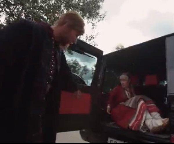 Собчак назвали идиоткой и запихнули с багажник Gelandewagen