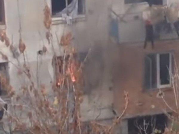 В Тбилиси завершилась 20-часовая операция по задержанию предполагаемых террористов в жилом доме