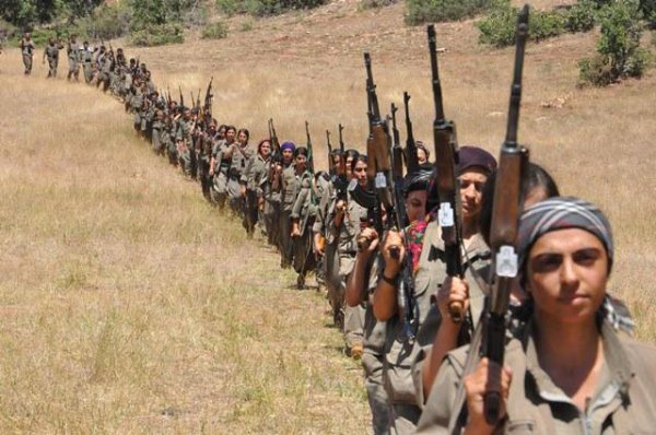 СМИ: боевики ИГИЛ заключили перемирие с курдами
