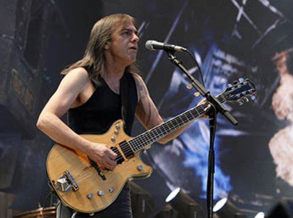 Умер гитарист и основатель группы AC/DC Малькольм Янг