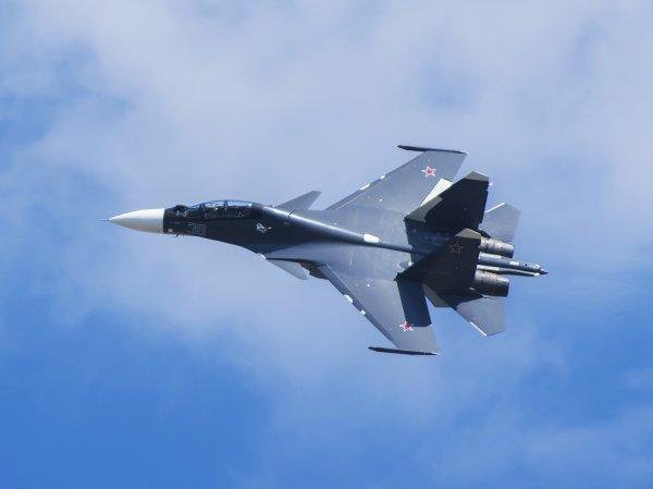 В небе над Черным морем российский Су-30 перехватил патрульный самолет США