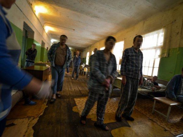 СМИ: в Смоленске Росгвардию вызвали усмирять разбушевавшихся пациентов психбольницы