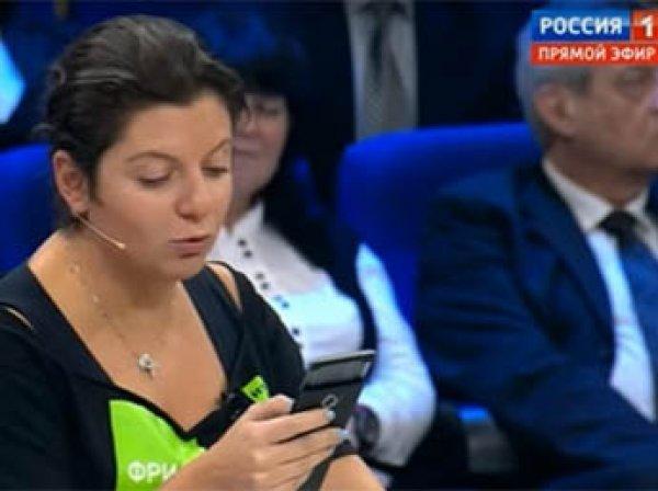 """Симоньян ответила Маккейну на слова о журналистах и зачитала стих о Навальном на """"России 1"""""""