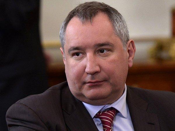 """Рогозин высмеял слова Трампа о """"величайшей военной технике"""""""