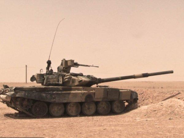 Боевики ИГИЛ похвасталось захваченным российским танком Т-90 в Сирии