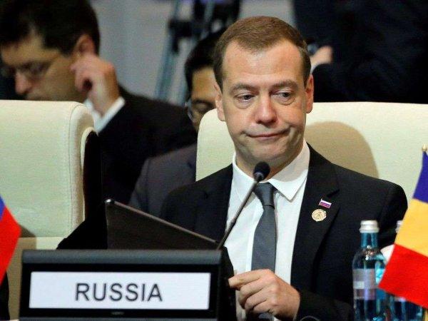 """Медведев высказался про фильм Навального """"Он вам не Димон"""""""