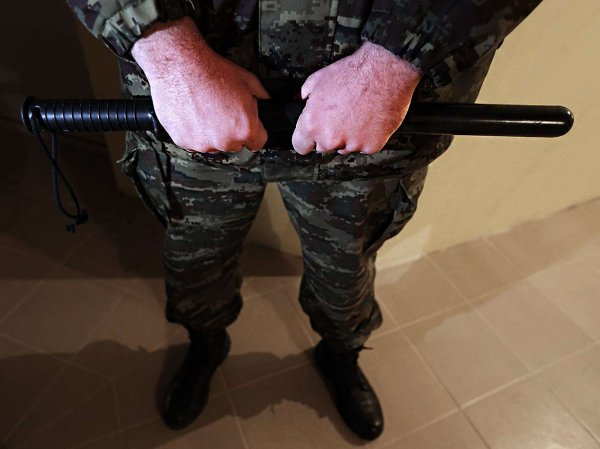 Сахалинский полицейский пытками выбивал из подростка признание в краже
