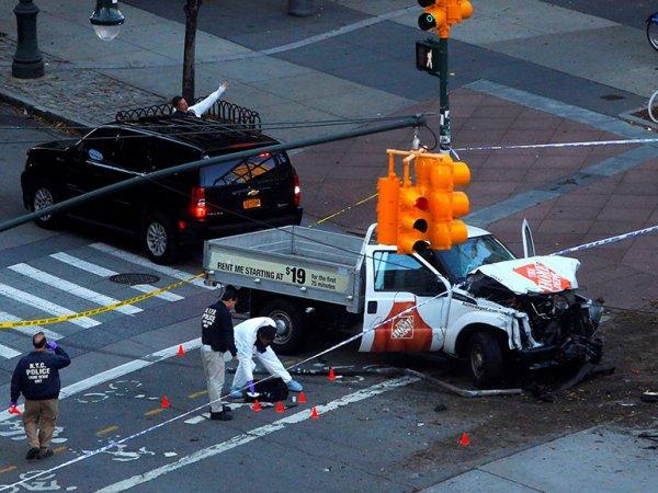 Теракт в Нью-Йорке: на Манхэттене водитель на пикапе задавил 8 человек (ФОТО, ВИДЕО)