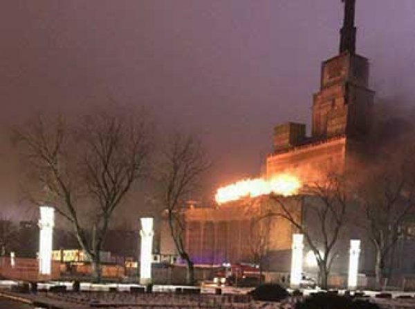 В павильоне ВДНХ в Москве вспыхнул пожар