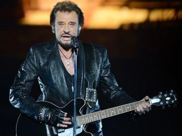 Скончался известный французский рок-певец Джонни Холидей