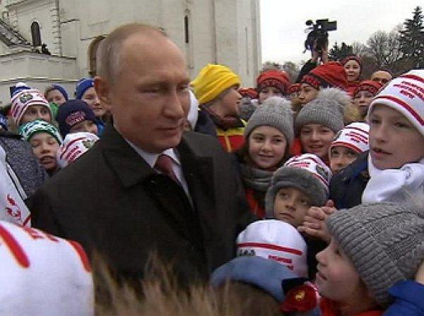 """""""По телевизору Вы лучше выглядите"""": дети поставили в тупик Путина"""